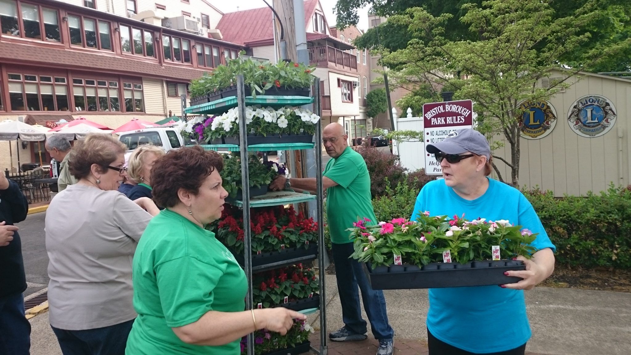 Bristol Borough Raising the Bar Hosts Sale To Beautify The Town